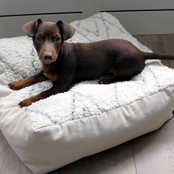 bohemian hondenkussen black and white honden en kattenzooi
